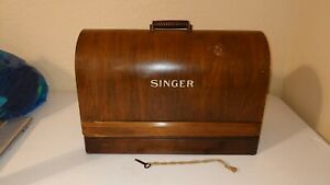 Vintage Singer Hand Crank Sewing Machine With Coffin Carrier Lock And Key