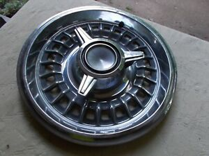 66 1966 Pontiac 3 Bar Spinner Hubcap Gp Grand Prix 14 Inch Way Above Average