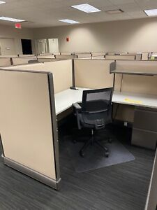 6 x6 x52 h Cubicle Workstations By Herman Miller A02 Options 6 x9 Or 9 x9