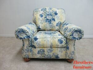 Beautiful Ethan Allen Over Sized Living Room Arm Lounge Chair Toile B
