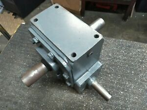 Winsmith 930wn Right Angle Speed Reducer 1 3 8 Dual output 1 Input 5hp 10 1