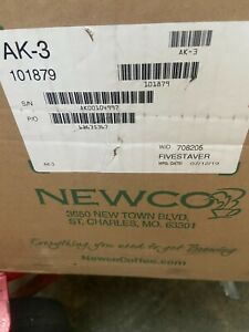 Newco 101879 Ak 3 Pour over Coffee Brewer With 3 Warmers With 2 Air pots 120v