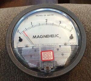 Dwyer Magnehelic Pressure Gauge 0 4 Inches Of Water