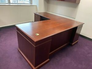 Executive L shape Desk By Steelcase Office Furniture In Cherry Color Wood