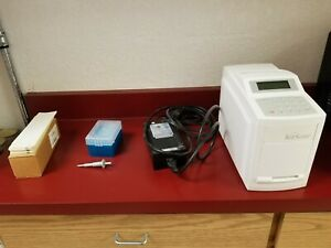 Abaxis Vetscan Classic Blood Analyzer With Accessories