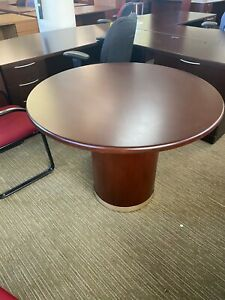 Round Conference Table In Mahogany Color Wood 42 d