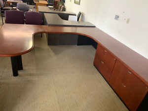 Oversized Right Hand Executive U shape Desk By Steelcase Office Furn In Cherry