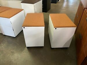 Mobile Box file Cushion Top Pedestal By Knoll Office Furniture In White Color