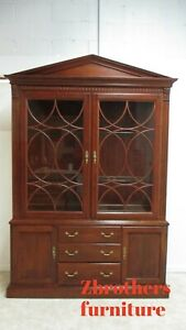 Ethan Allen Regents Part Neo Classical China Cabinet Hutch Breakfront Display
