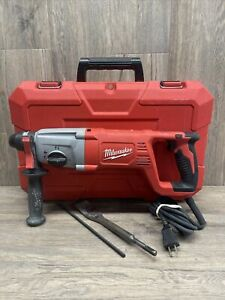 Milwaukee 5262 21 8 amp Corded 1 Sds Plus D handle Rotary Hammer W case