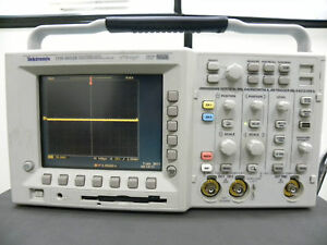 Tektronix Tds3052b 500 Mhz 2 Channel Color Oscilloscope