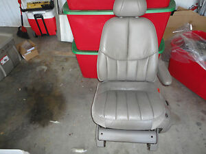 Passenger Front Leather 8 Way Power Seat 99 Chrysler Town Country Van