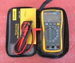 Fluke Meter 115c True Rms Field Multimeter 1000uf Backlight