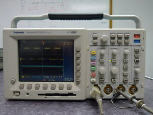 Tektronix Tds3054 Four Channel Digital Phosphor Oscilloscope w Kit