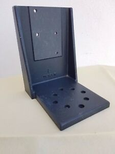 Physik Instrumente M 125 90 Z axis Mounting Bracket