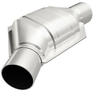 Magnaflow 91076 Universal High flow Catalytic Converter Oval 2 5 In out Angled