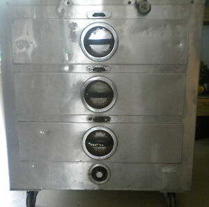 Toastmaster 3c8xd Warming Cabinet On Wheels