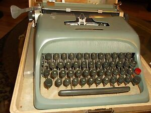 Antique Late 1960s Olivetti underwood Manual Portable Typewriter