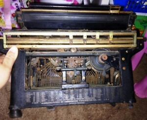 Underwood Standard Typewriter No 4