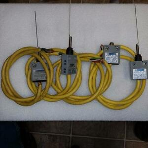 Lot Of 4 Telemecanique Mini Switch With Toggles Ms05s01 00