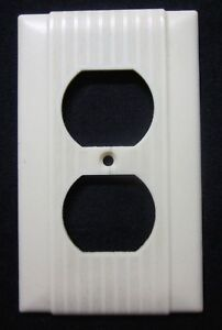 1 Vintage Uniline Outlet Wall Plate Cover Art Deco Ribbed Lines Beige Bakelite