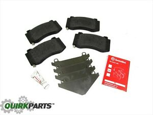 06 10 Jeep Grand Cherokee Srt8 Front Brembo Disc Brake Pads Set Of 4 New Mopar