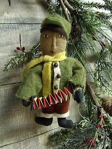 Primitive Pattern On Cd Christmas Tree Vintage Ornie Ornament Winter Pt122