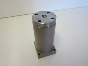 Ozak L 25 Linear Bearing With Flanged Housing And Bearing Rod