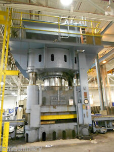 Lake Erie 4 Post Hydraulic Press With Rubber Pad 3 500 Ton X 120 X 96 5817
