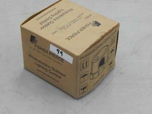 99 Fisher Pierce 7794 eps Photoelectric Outdoor Lighting Control 400 550v New