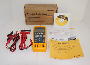 Fluke 724 Temperature Calibrator Meter Tester Brand New