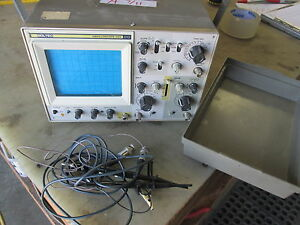 Used Soltec Model 520 Oscilloscope Powers Up Has Probes