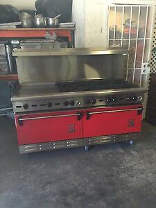 Wolf Commercial Stove 8 Burner With 24 Flat Grill 2 Oven Below
