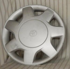on 1995 Toyota Tercel Hubcaps