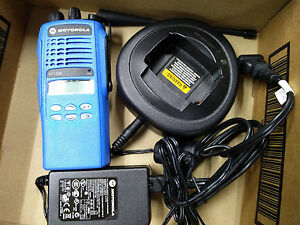 Motorola Ht1250 Ls Uhf 4 Watt Radio With Battery Antenna Charger Programming