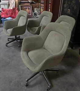 2 Knoll Office Chairs pearson Design Green Suede W casters