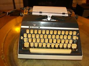 Antique Late 1965 Adler J5 Manual Portable Typewriter German Made