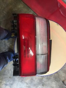 1996 1997 Toyota Corolla Tail Lamp Light Left Driver Side