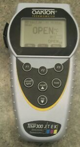 Oakton 54x631101 Temp 300 Data Logging Thermocouple Thermometer meter Only