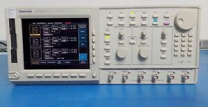 Tektronix Awg430 Arbitrary Waveform Gen 3ch 200ms s 16bit Tested