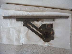 Mercedes Benz Ponton Left Rear Window Lifter Mechanism Paralellarm W105 W120 D