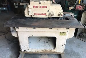 Fukami Rt 300 Straight Line Rip Saw 7 5 Hp 58 x31 Table