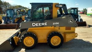 2014 John Deere 318e Skid Steer Loaders