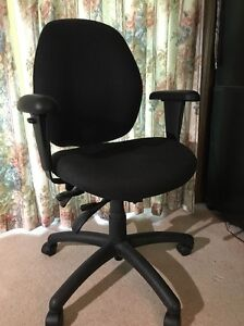 Malaga Standard Size Computer Task Chair Very Slightly Used