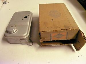 Vintage Nos Oem Briggs Stratton Gas Engine Fuel Tank 296418
