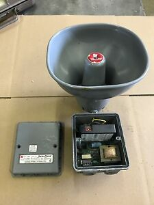 300 250 Federal Signal Signaling Device 250 Vdc gray Audible Alarm Used Utm