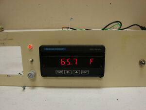 Beckman Industrial 600 Series Model 610 Thermocouple Panel Indicator