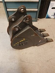Werk Brau 76mnhd10 Tooth Bucket For Gehl Excavator