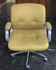 Rare Mid cent Heavy Duty Steelcase Office Chair 5 Arm Base W Double Casters