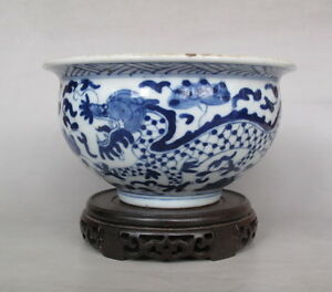 Old Chinese Blue And White Porcelain Two Dragon Bowl